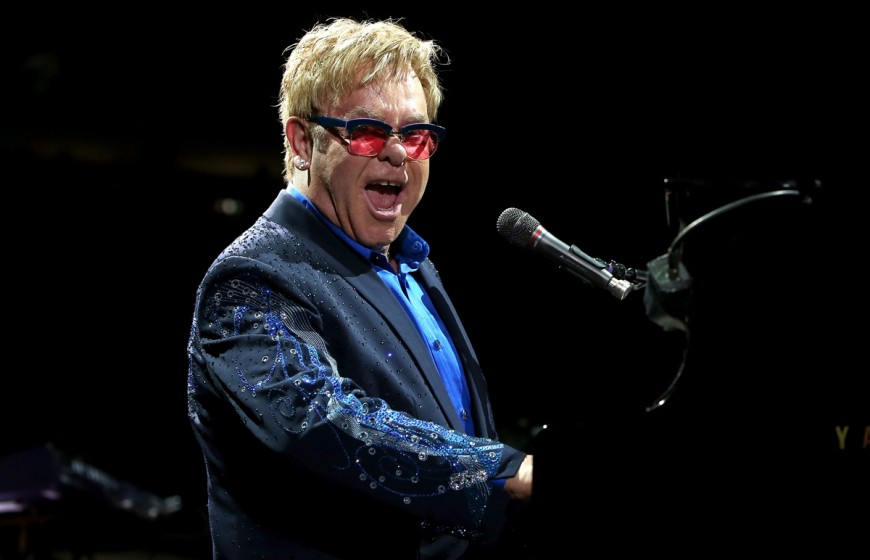 NEW YORK, NY - DECEMBER 03:  Elton John performs at Madison Square Garden on December 3, 2013 in New York City.  (Photo by Mike Lawrie/Getty Images)