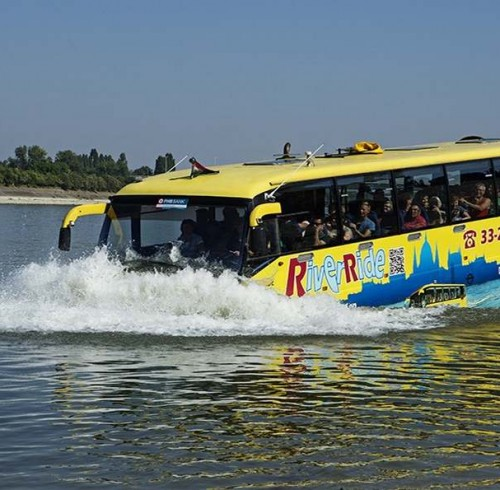 river_bus_02
